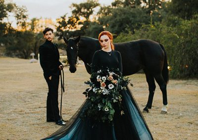 Dark_Romantic_Styled_Wedding-144