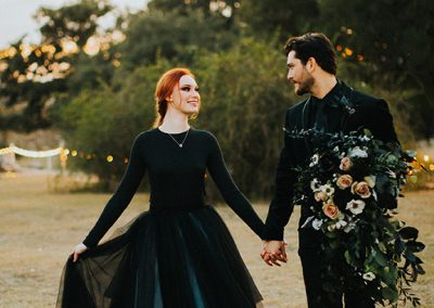 Dark_Romantic_Styled_Wedding-160