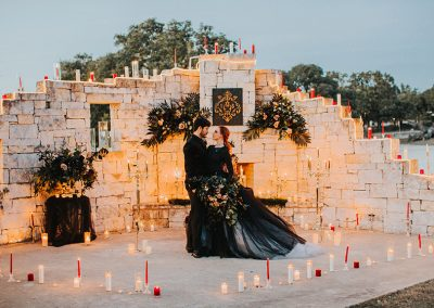 Dark_Romantic_Styled_Wedding-193