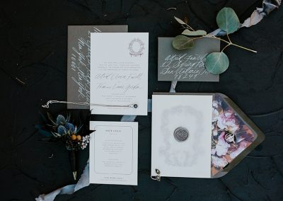 Dark_Romantic_Styled_Wedding-267