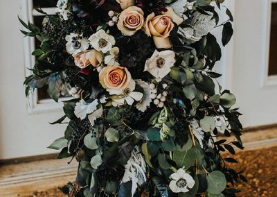 Dark_Romantic_Styled_Wedding-308