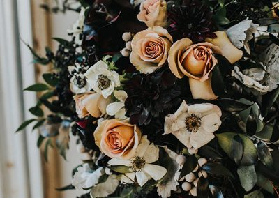 Dark_Romantic_Styled_Wedding-309