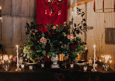 Dark_Romantic_Styled_Wedding-341