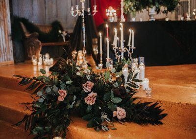 Dark_Romantic_Styled_Wedding-361