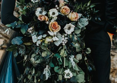 Dark_Romantic_Styled_Wedding-77